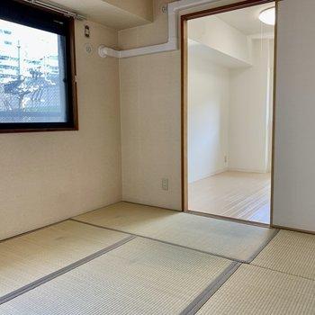 和室にも窓がついていて、風通りもOK(※写真は4階の同間取り別部屋のものです)