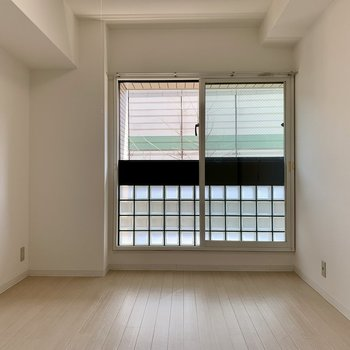 洋室①】6帖の洋室は書斎にいいかも。(※写真は4階の同間取り別部屋のものです)