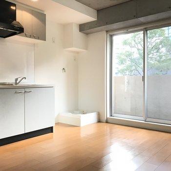 キッチンは居室スペースに※写真は2階の反転間取り別部屋のものです。
