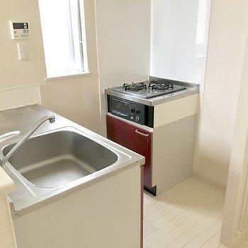 キッチンスペースがちゃんと分けられているので生活動線が確保しやすい!