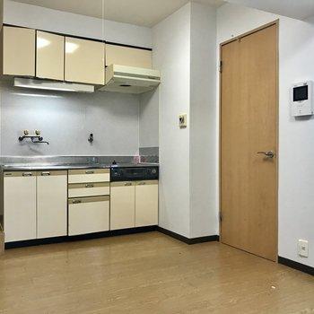 反対側から。キッチンが広々※写真は前回募集時のものです。