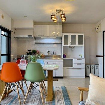 【LDK】こんな風にレイアウトするのも楽しそう◯※家具はサンプルになります