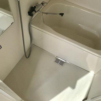 お風呂はシンプル※写真は前回募集時のものです。