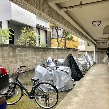 駐輪場には屋根はありません。※写真は前回募集時のものです