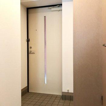シュッと三角の玄関。(※写真は前回募集時のものです)