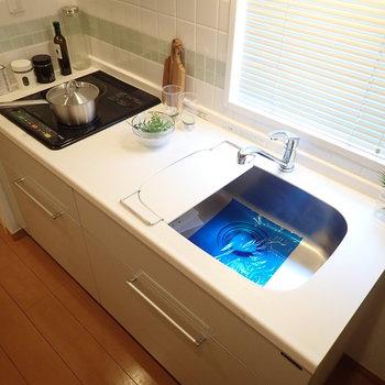 調理スペースにゆとりがあります。※写真はサンプルです