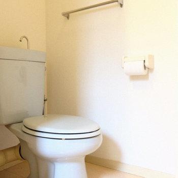 トイレは個室です。(※写真は4階の同間取り別部屋のものです)