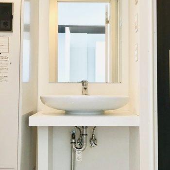 洗面台までなんて素敵なの、、、※写真は別部屋です