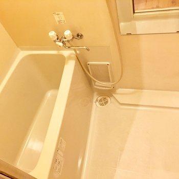 お風呂はコンパクト ※写真は前回募集時のものです