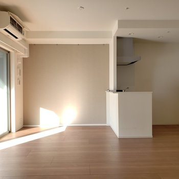 広くてとっても綺麗なお部屋★早く住みたい!!※写真は9階の同間取り別部屋のものです