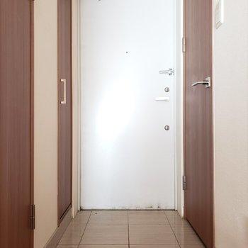 ふぅ〜!落ち着くなぁ※写真は9階の同間取り別部屋のものです