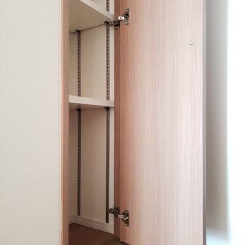 こんな収納あるとかわいいだけでなく利便性もありますよね!!※写真は9階の同間取り別部屋のものです