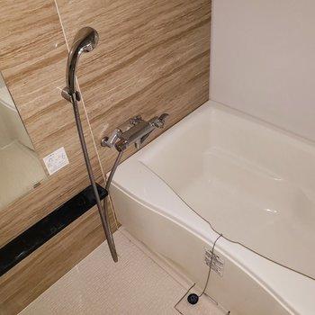 こんなお風呂なら毎日の疲れもぶっ飛びますね!※写真は9階の同間取り別部屋のものです