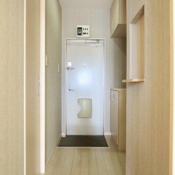 廊下はこんな感じ、明るいのがいいな※写真は前回募集時のものです