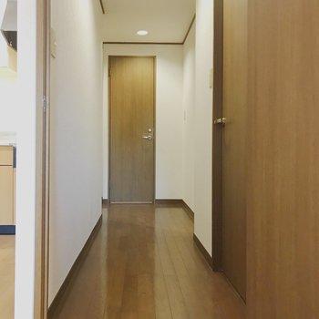【工事前】廊下に出てみましょう