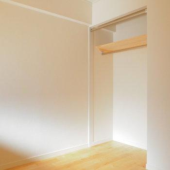 この居室にはオープンクローゼット付きです※前回募集時の写真です