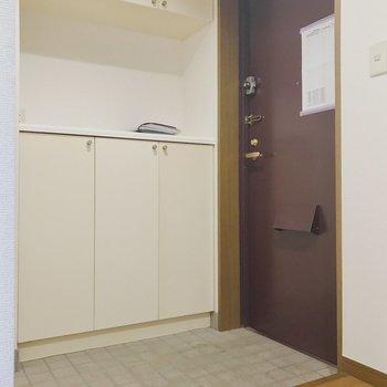 【工事前】玄関は土間部がゆったり〜下駄箱も大きいです!