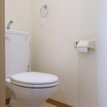トイレはシンプル(※写真は清掃前のものです)