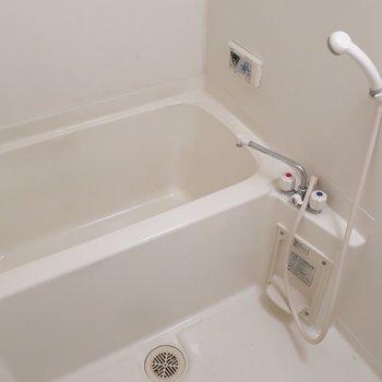 浴室には乾燥機がついてますよ◎(※写真は清掃前のものです)