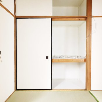 【和室】お布団を押し入れに収納できます