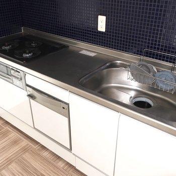 素敵キッチン♩食洗機もついているから洗い物はお任せしちゃおう! (※写真は5階反転間取り別部屋のものです)