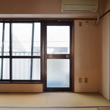 【工事前】窓が大きいのがいいですね※写真は似た間取りの別部屋です