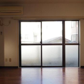 【工事前】こちらがリビング※写真は似た間取りの別部屋です