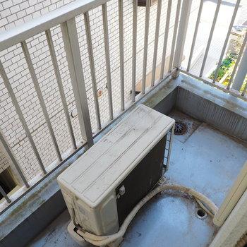 反対側にも小さめバルコニー※写真は似た間取りの別部屋です
