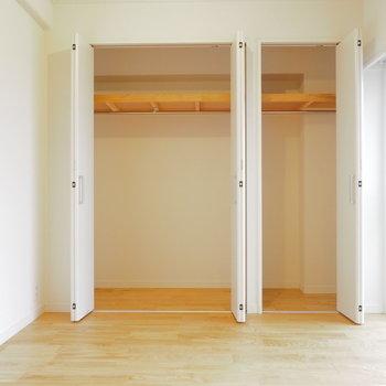 【イメージ】収納は寝室に。折戸でスペースを有効活用!