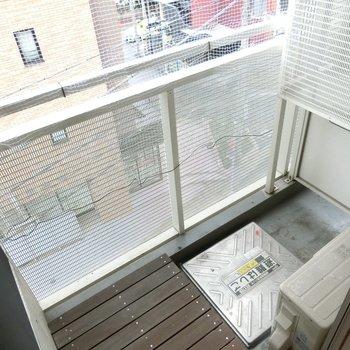 バルコニーへ ※写真は4階の同間取り別部屋のものです。