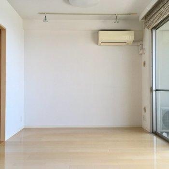 この細長さ、意外と家具の配置ピタッと決まって簡単なんです。