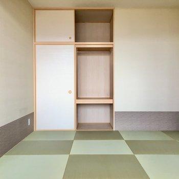 和室は6帖のサイズ感。琉球畳がいい匂いだなぁ。