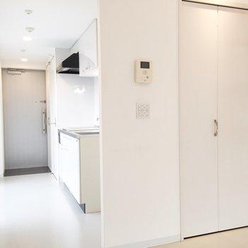空間的にはキッチンと分かれていますよ。