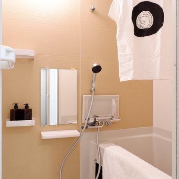 浴室乾燥機など設備も充実しています。※家具は見本です