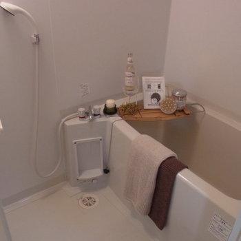 バスルームはシンプルに。※写真は2階の反転間取り別部屋のものです