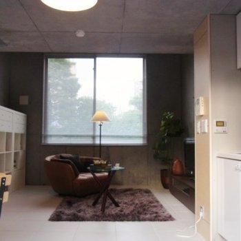 ここがダイニングか。※写真は2階の反転間取り別部屋のものです