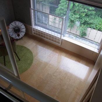 ロフトから見下ろすと…※写真は2階の反転間取り別部屋のものです