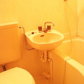 バストイレは3点ユニットタイプです。※写真は前回募集時のものです。