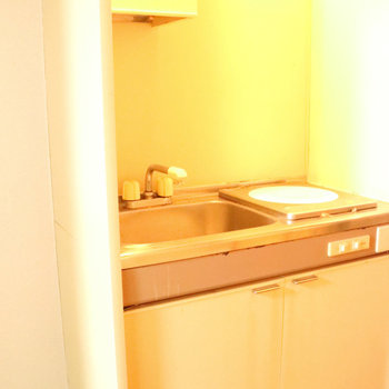 キッチンはコンパクトなミニタイプ。IH!※写真は前回募集時のものです。