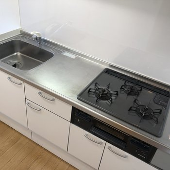 充実したキッチン設備。