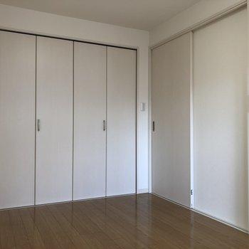 右の扉は、LDKへ繋がっています。