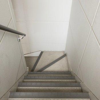 階段を使って駆け上がりましょ〜