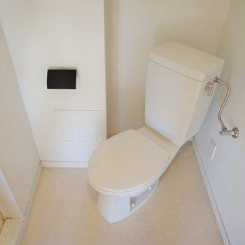 普通のトイレ。個室じゃないけど開放的!※写真は前回募集時のものです