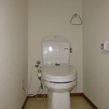 トイレはウォシュレット付き!(写真は通電前です)(※写真と文章は前回募集時のものです)