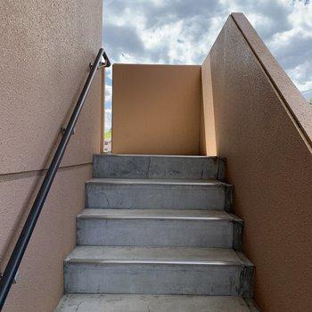 階段はいい運動になりますよ〜