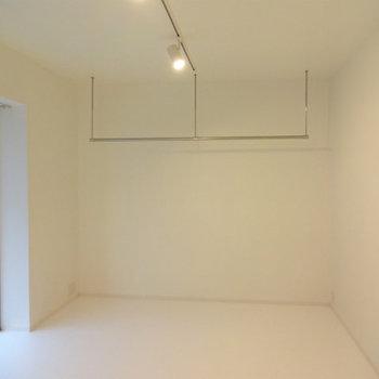オープンクローゼットです※写真は7階の同間取り別部屋のものです。