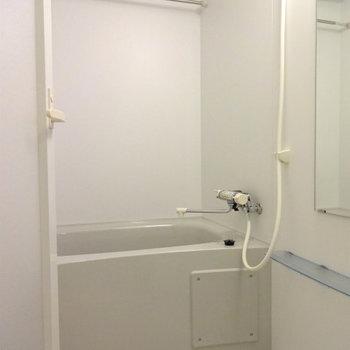 お風呂は案外普通※写真は7階の同間取り別部屋のものです。