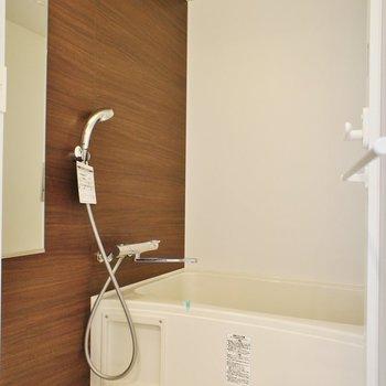 お風呂ももちろんリノベ済み!※写真は2階同間取り別部屋のものです
