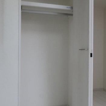 この中は有効活用したいところ。※写真は1階の同間取り別部屋のものです