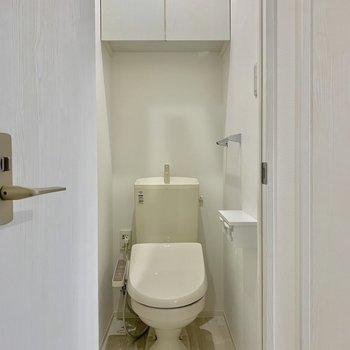 トイレにも収納があります※写真は前回募集時のものです